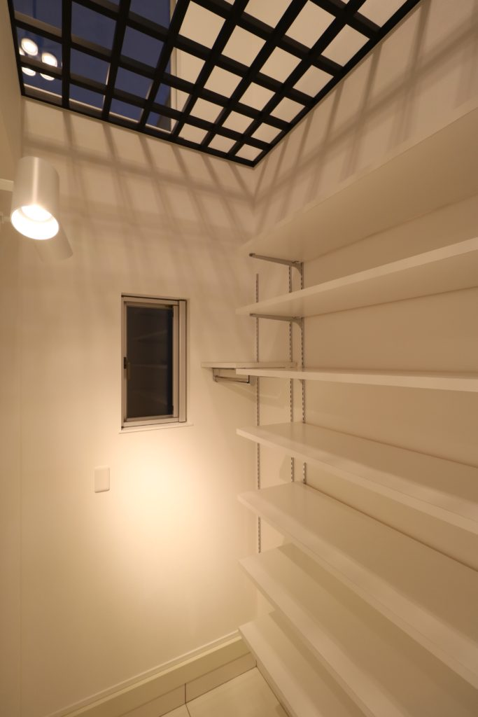エントランスと階段の融合