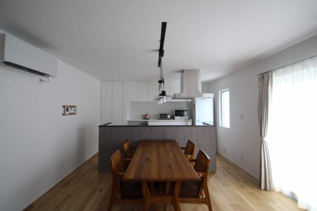木製家具が映える家